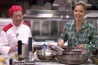 Алекс Сърчаджиева в кухнята на червения отбор