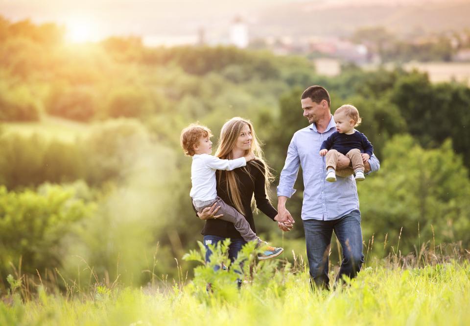 младо семейство