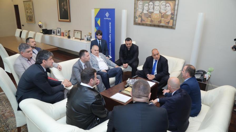 "Борисов и правителството против закона ""Макрон"""