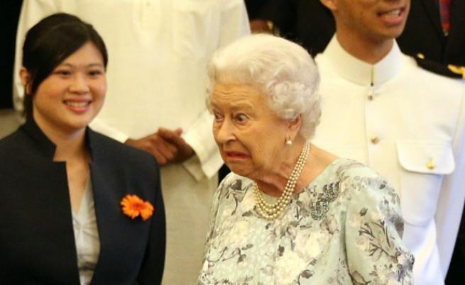 Най-смешните снимки на кралица Елизабет II
