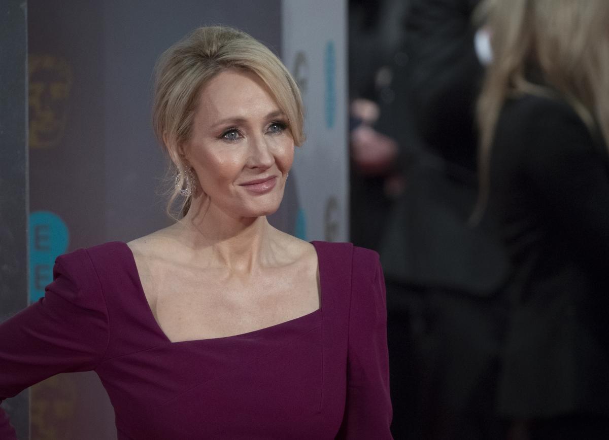"""Джоан Роулинг, авторката на поредицата """"Хари Потър"""" признава, че страда от тежка депресия."""