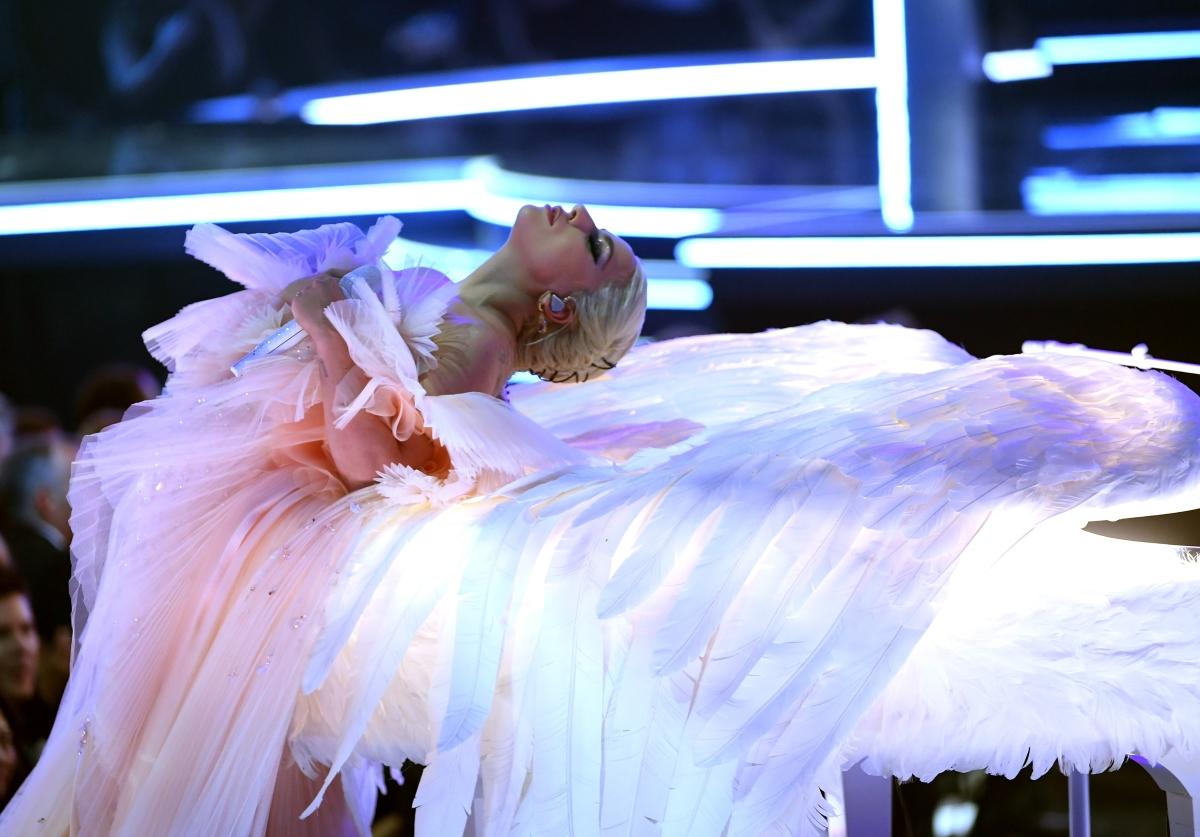 Лейди Гага признава, че страда от тревожност и безпокойство.