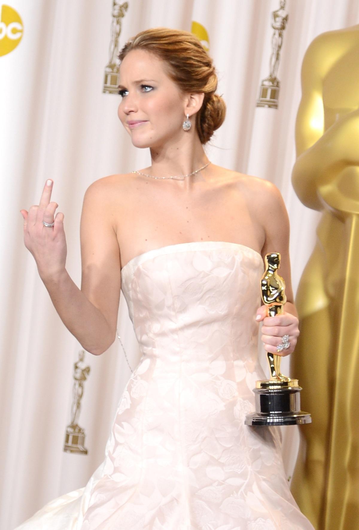 """Дженифър Лорънс на """"Оскар""""-ите (2013 г.)"""