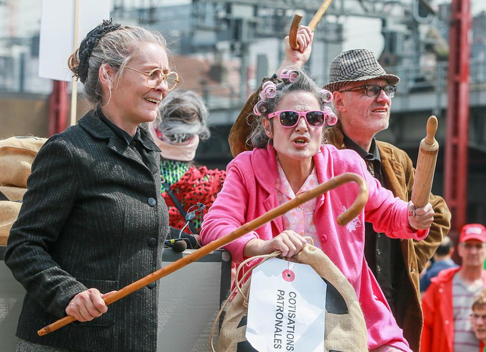 """- Протестиращи на демонстрацията """"Марш за достойни пенсии"""" в Брюксел, Белгия. Повече от 30 000 души участват в демонстрацията, за по-добра пенсия и за..."""