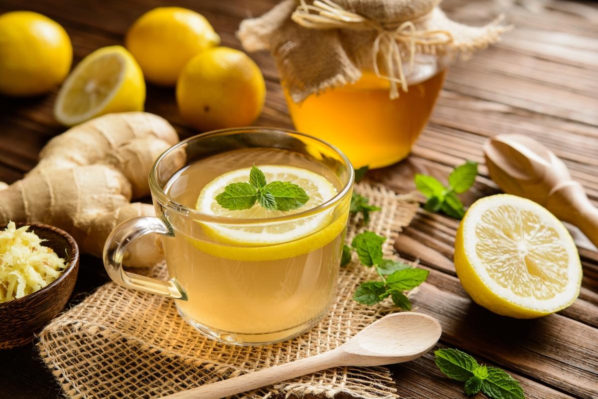 Лимонът е много полезен при третиране на локални инфекции, като например на гърлото.