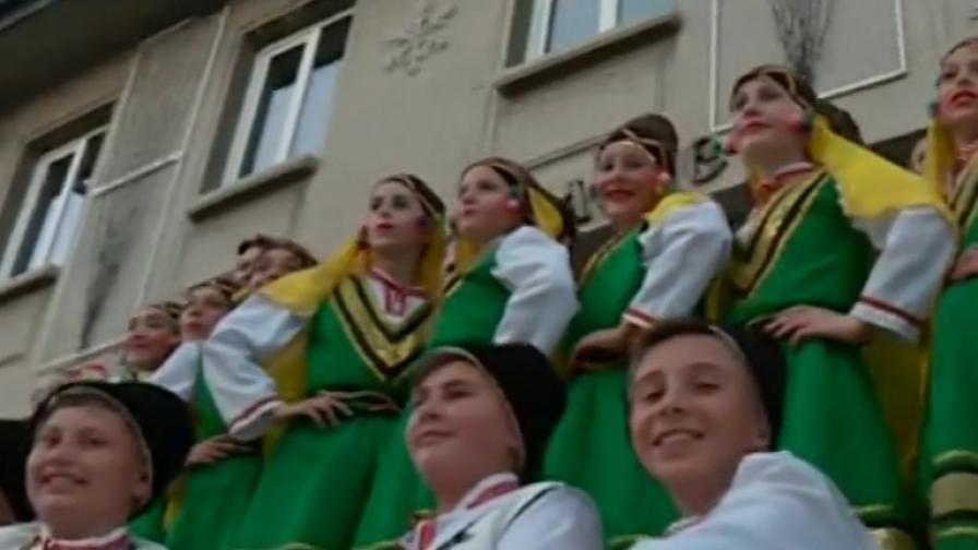 Те обичат България, за тях тя е обетована земя