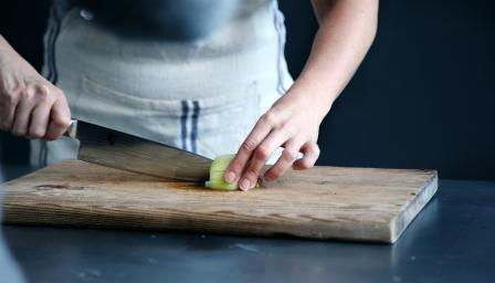Как да мием правилно дъската за рязане