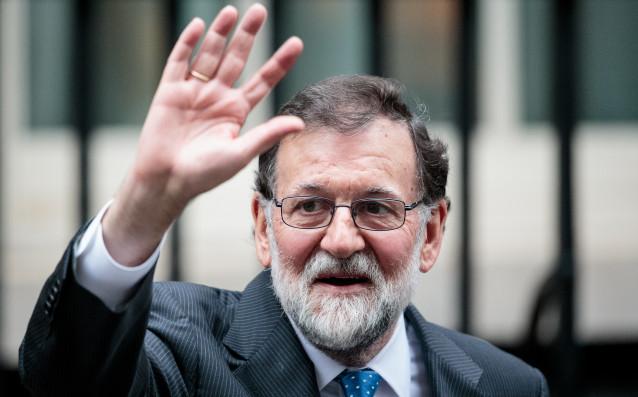 Премиерът на Испания Мариано Рахой няма да присъства на финала