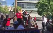 Запалянковци на Ливърпул и Реал пеят заедно в Киев
