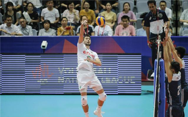 Снимка: Следи с Gong.bg: Волейболният дуел България-Аржентина