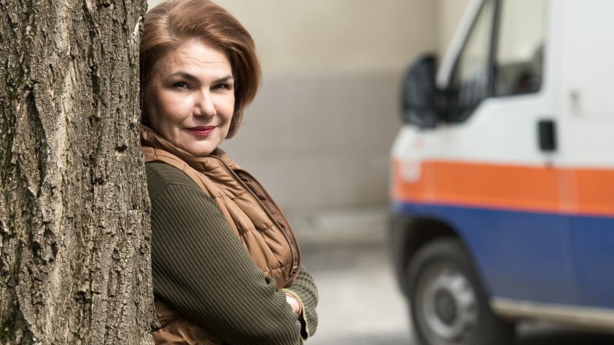 Сестра Жекова се отправя към олтара за финала на сериала