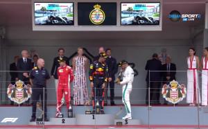 Рикиардо спази традицията с шампанското и обувката след победата си в ГП на Монако
