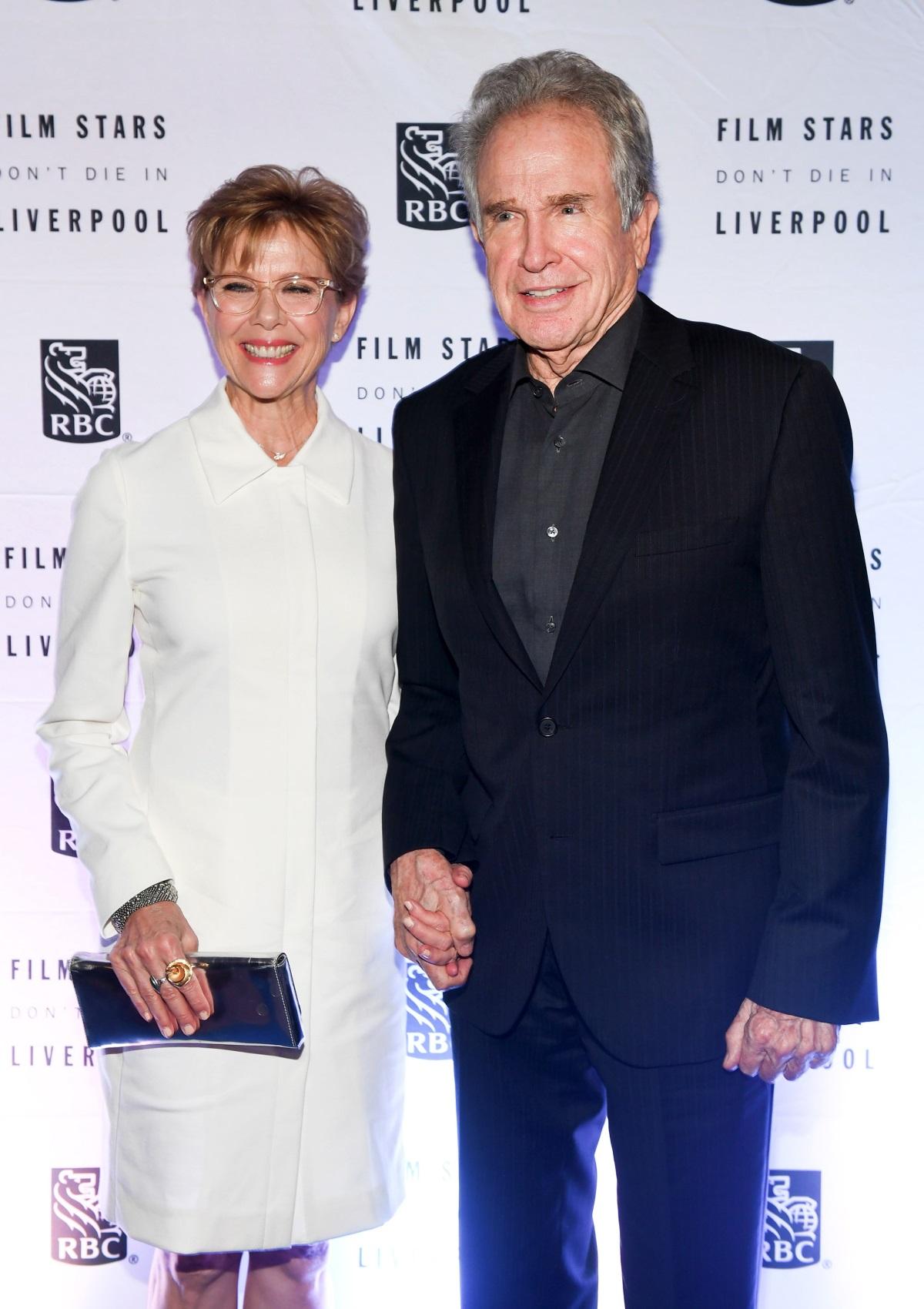 Актьорът Уорън Бийти се жени за своята любимаАнет Бенинг на 55 г. през 1992 г. Двамата все още са заедно и имат 4 деца.