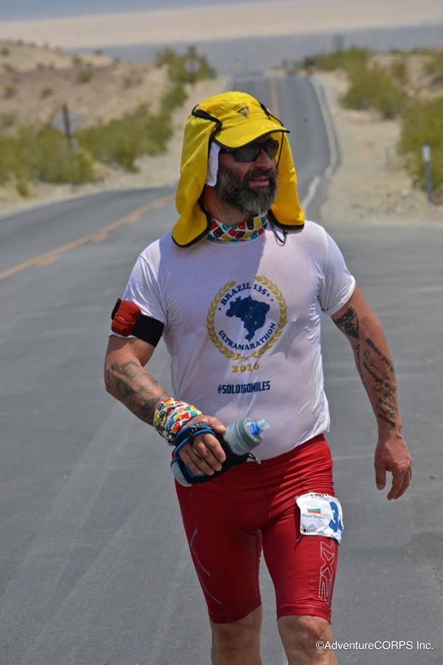 Краси взима участие в маратони в различни държави и континенти, като ги комбинира и с обиколка на света.