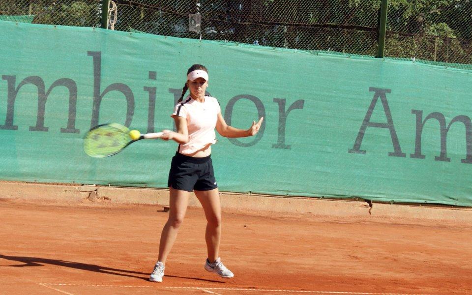 Андреев и Топалова започнаха с победа на Европейското по тенис за юноши до 18 години