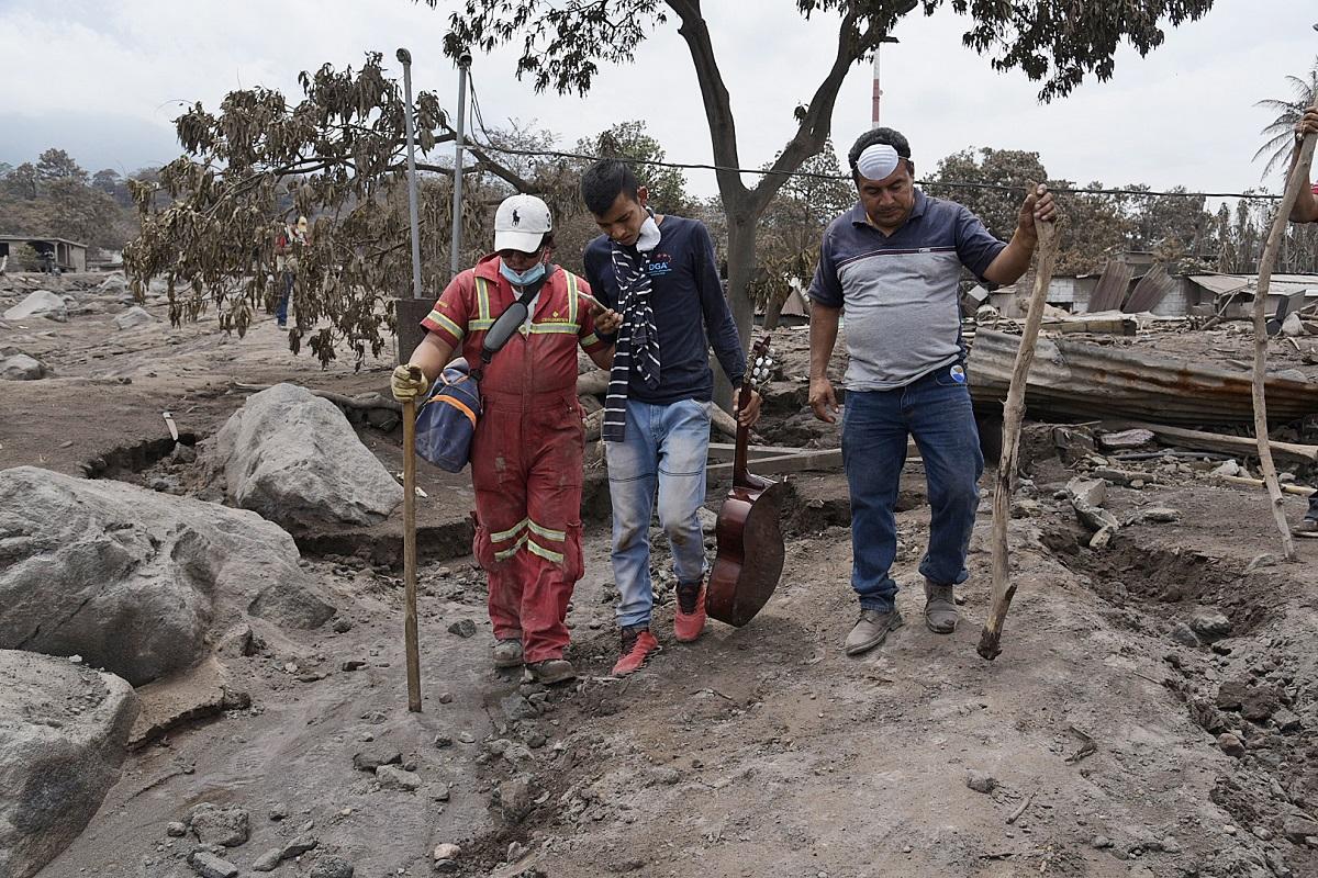 109 са вече жертвите на опустошителния Фуего в Гватемала, 12 000 са евакуирани.