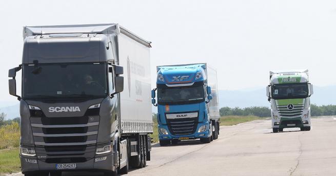 Снимка: Хванаха български камион с нелегални имигранти в Гърция