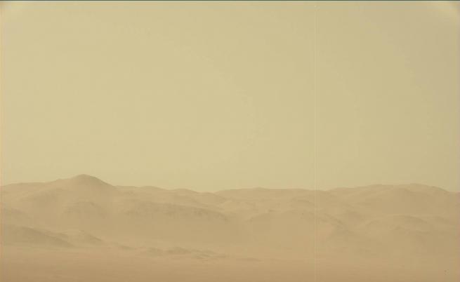 Снимки от Марс търсят места за бъдещите бази на SpaceX