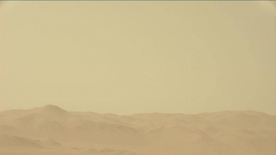 Гледката на марсохода Curiosity към ефектите от пясъчната буря