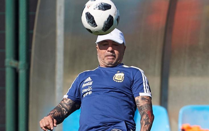 Забъркаха треньора на Аржентина в сексскандал
