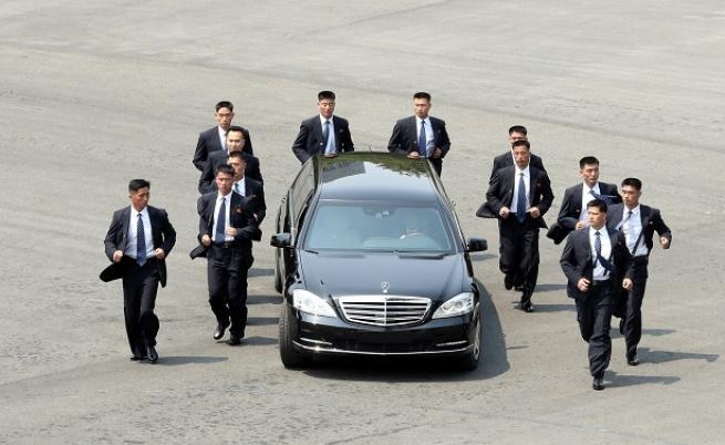 Кои са бягащите охранители на Ким Чен-ун