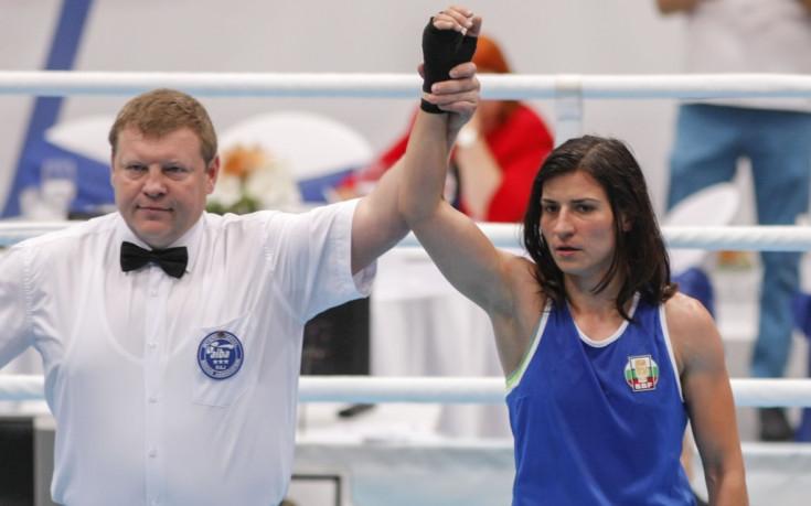 Три златни и сребърен медал за боксьорките ни на европейското