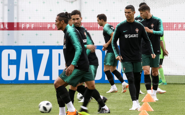 Радост в Португалия след уволнението на Лопетеги