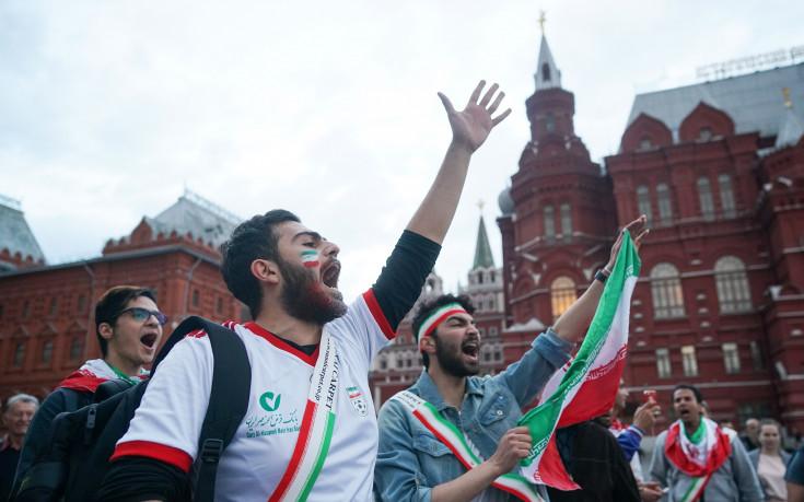 Политически скандал застигна футболистите на Иран