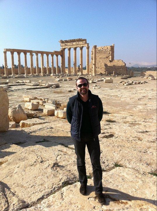 """Кадър от Палмира, Централна Сирия. Иван Димов е българин, който завършва образованието си в чужбина и дълги работи като инвестиционен банкер на """"Уолстрийт""""."""