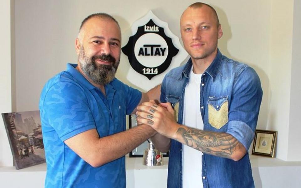 Футболист №1 на България за 2013 година Иван Иванов е