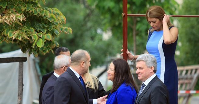 Десислава Радева и първата дама на Македония съчетаха цветово тоалетите