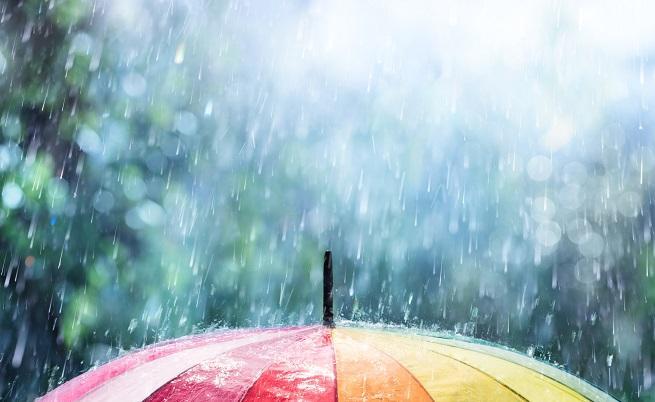 Климатолог: Градушки ще има до края на месеца, ще вали ли през новата седмица