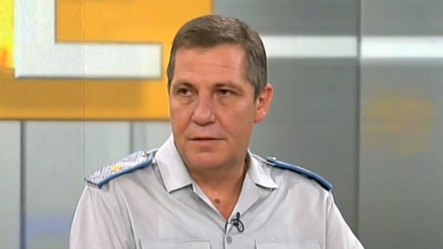 Раненият при авиоинцидента техник се подобрява