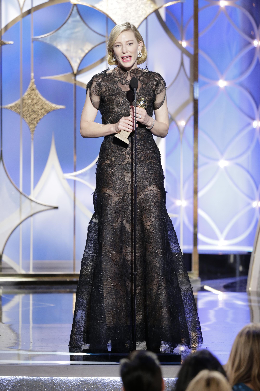 През 2014 г. на награди Кейт избра тази шармантна рокля.