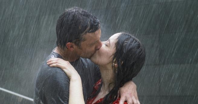 Две неща не могат да се скрият: кашлица и любов.