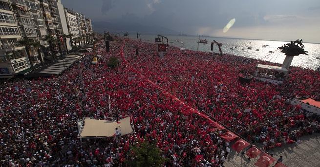 Повече от 2 милиона турци се събрахав подкрепа на основния