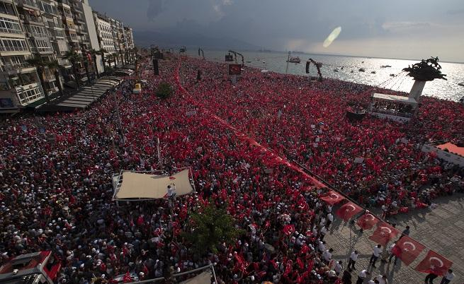 Над 2 милиона турци подкрепиха опонента на Ердоган на митинг