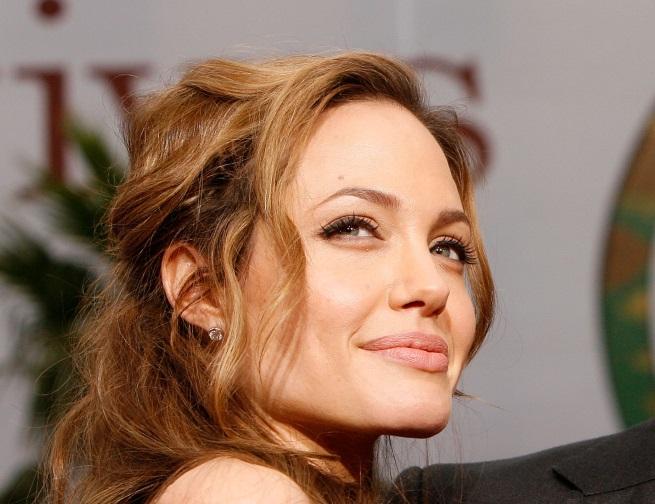 Анджелина Джоли - 1975 г.