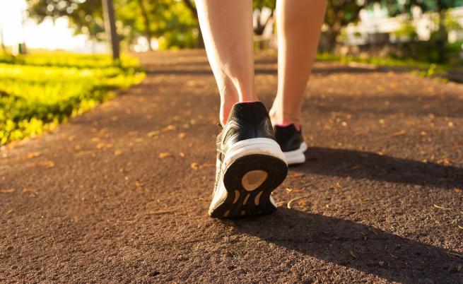 Софтуер разпознава хората по походката им