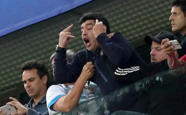 Марадона захапа Хавиер Санети