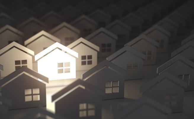 Защо 1,2 милион жилища у нас пустеят, а младите семейства не могат да си купят собствен дом