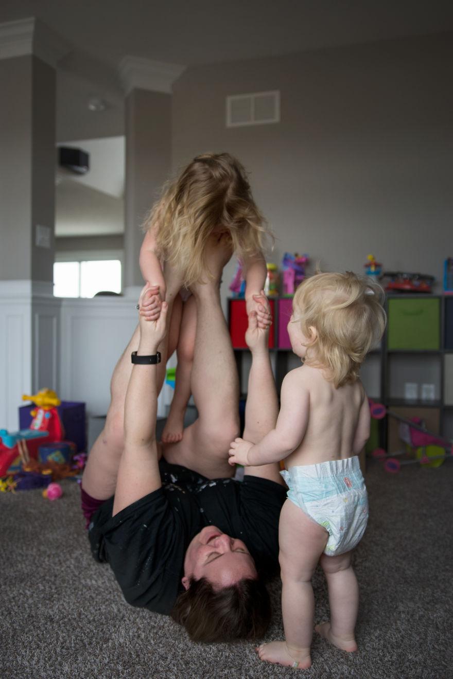 Майчинството е да забавляваш децата си