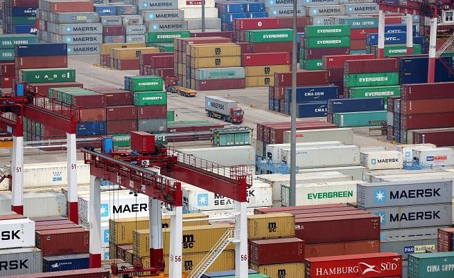Китай: САЩ започнаха най-голямата търговска война в историята