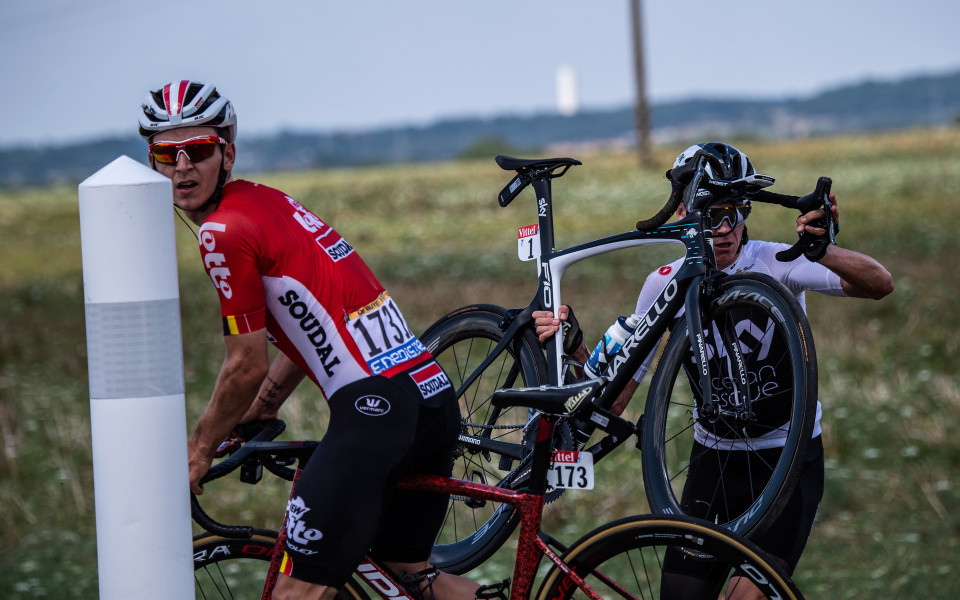 Колумбиец взе първия етап на Тур дьо Франс, Фрум падна