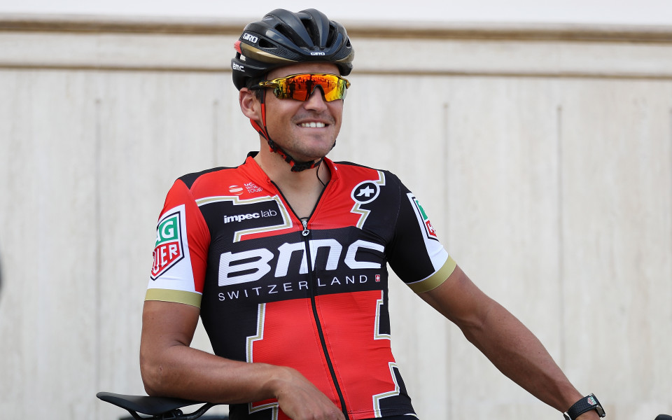 Уникално! Колоездач спечели Обиколката на Фландрия от тавана си