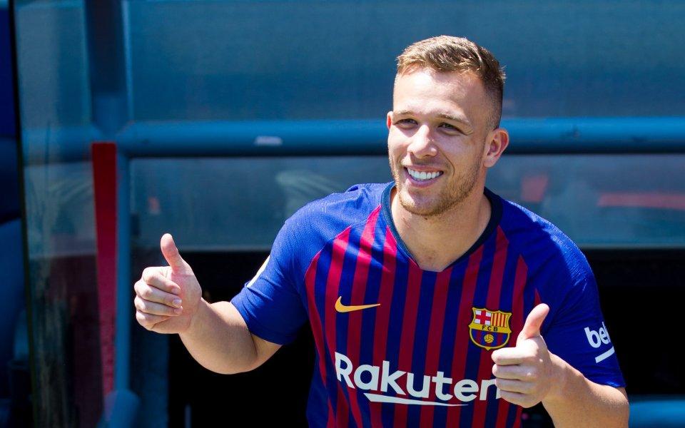 Барселона представи първото си ново попълнение