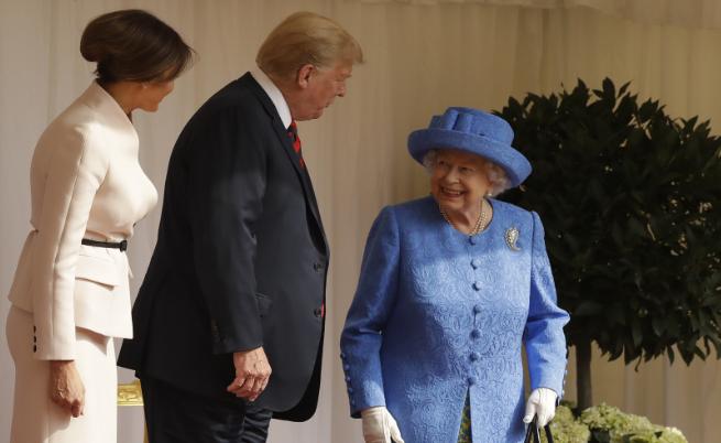 Възмущение в мрежата: Грешките, които Тръмп допусна при кралицата