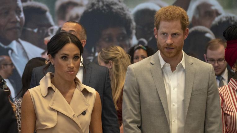Херцогиня Меган изневери на стила си, но отново заложи на розово