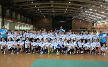 Матей Казийски тренира млади надежди в