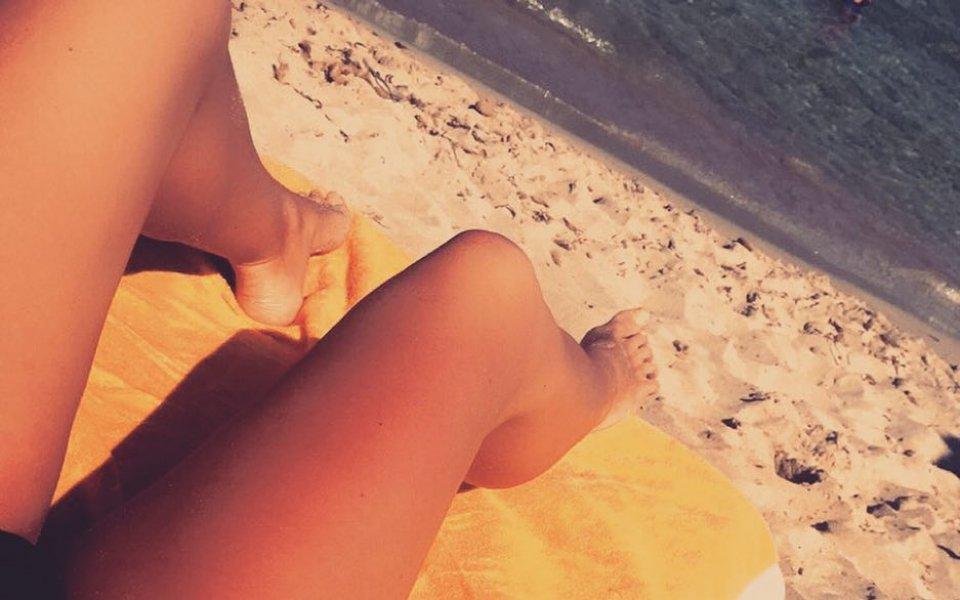 Англия, ММА и секси голите стойки са нейните страсти